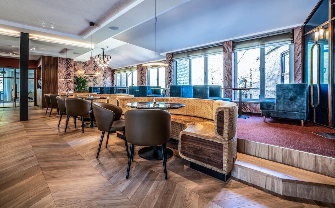 verhoging in restaurant zandhoeve